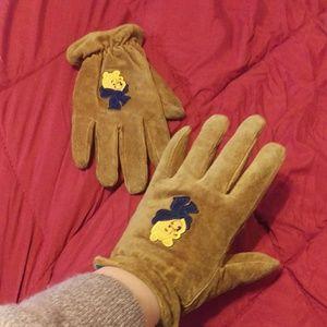937d71417044 Accessories - Winnie the Pooh gloves
